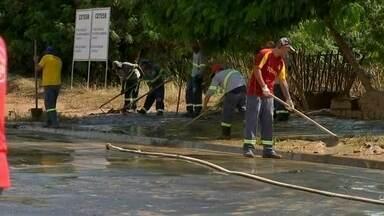 Mutirão para limpar pontos que foram alagados é feito em Tietê - Um mutirão para limpar os pontos que foram alagados foi feito nesta sexta-feira (14), em Tietê (SP).