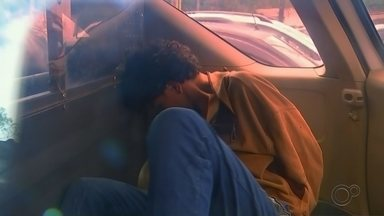 Suspeito de matar menina a facadas e esconder corpo em fossa é preso em Tapiraí - O suspeito de matar a menina Heloá Pereira, de 11 anos, a facadas e esconder o corpo dentro de uma fossa nos fundos da casa da família da vítima, no bairro Vila Eraldino, na zona rural de Piedade (SP), foi preso pela polícia nesta sexta-feira (14), em Tapiraí (SP).