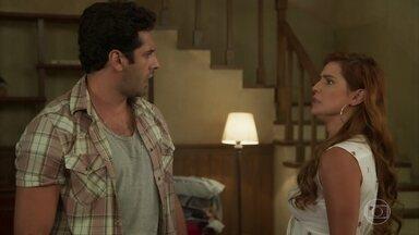 Zezinho avisa a Alexia que treinará Bel para participar de rodeios - Ermelinda acredita que Bel é a pessoa perfeita para Zezinho