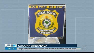JPB2JP: PRF encontra cocaína com mulher e bebê - Droga estava numa bolsa infantil com mulher que viajava com o filho.