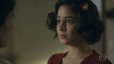 Isabel tenta dar forças para Lola - Ela diz para a mãe que agora serão apenas as duas e uma vai cuidar da outra