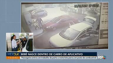 Bebê nasce dentro de carro de aplicativo em Curitiba - Passageira entrou em trabalho de parto e motorista parou em posto de combustível.