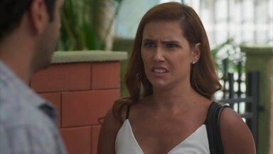 Zezinho avisa que precisa ter uma conversa séria com Alexia - undefined