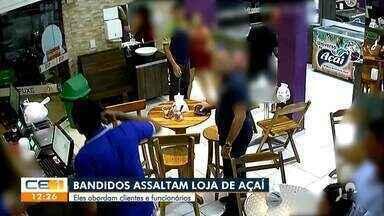 Bandidos assaltam clientes e funcionários de uma loja de açaí - Saiba mais no g1.com.br/ce