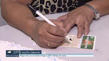 Mega-Sena acumulada chega a R$ 200 milhões - Concurso acumulou pela sexta vez.