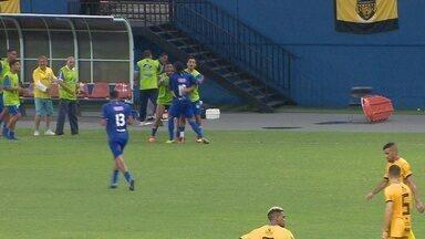 Daniel Guerreiro aproveita rebote de Oliveira e empata o jogo - Daniel Guerreiro aproveita rebote de Oliveira e empata o jogo