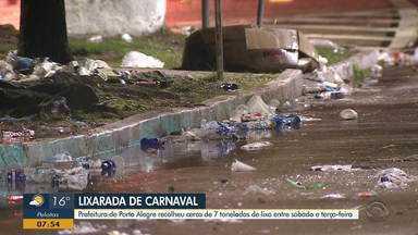 Prefeitura recolhe sete toneladas de lixo após carnaval na Cidade Baixa - Veja os vídeos.
