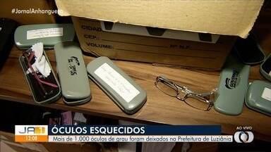 Mais de mil óculos de grau são encontrados em sala da prefeitura de Luziânia - Segundo a prefeitura, itens estavam abandonados em depósito e só foram encontrados depois de uma vistoria no prédio.