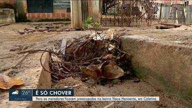 Moradores do bairro Novo Horizonte, em Colatina, temem prejuízos com o retorno da chuva - Logo que começa a chover, moradores já ficam preocupados.