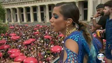 Anitta leva multidão para o Centro do Rio - Segundo à Riotur, 370 mil pessoas participaram do Bloco da Anitta.
