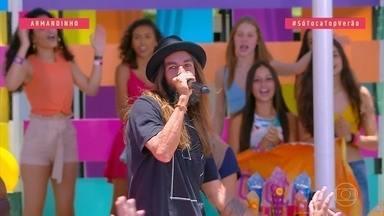 Armandinho canta 'Amor vem cá' - Ludmilla e Mumuzinho puxam o sucesso 'Desenho de Deus' e caem no reagge