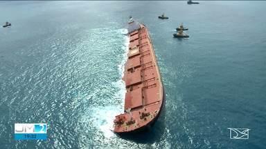 Reunião define estratégias para tentar desencalhar navio na costa do Maranhão - Autoridades querem afastar as possibilidades de desastre ambiental.