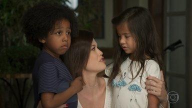 kyra e as crianças descobrem que Ignácio fugiu - Os filhos de Alan acham que seu bisavô não vai mais voltar, mas ele ficar perdido e confuso andando na rua