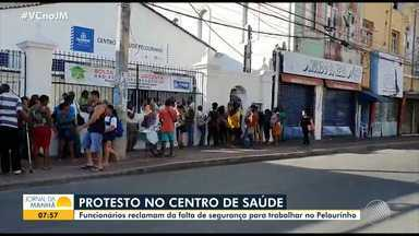 Funcionários do Centro de Saúde do Pelourinho fazem protesto contra a falta de segurança - Grupo vai decidir se paralisa ou não as atividades no local.