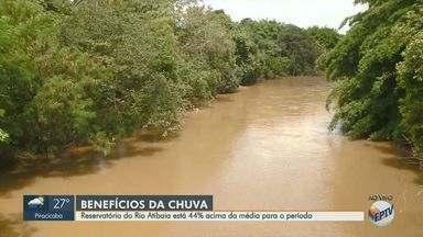 Reservatório do Rio Atibaia está 44% acima da média para o período - As chuvas do mês de fevereiro que chegaram a 202 mm e o sistema da cantareira que está com 63% da capacidade são os fatores que influenciam o Rio Atibaia.
