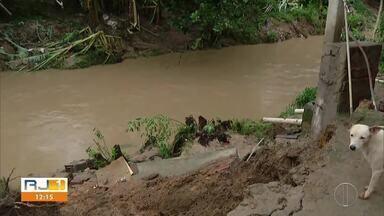 Rio Bonito, RJ, decreta estado de calamidade para alguns bairros do município após chuva - Chuva forte deixa moradores desabrigados.