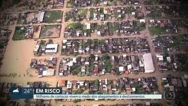 Quase meio milhão de cariocas vivem em áreas com risco de alagamento e deslizamento. - Especialistas criticam politicas de habitação.