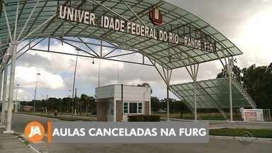 Aulas canceladas na FURG - Escolas municipais de Rio Grande também estão com atividades suspensas.