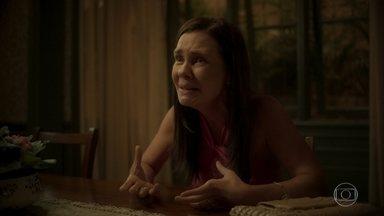 Thelma conta a história de Danilo para Jane e afirma que ele é o filho perdido de Lurdes - A viúva explica como comprou Danilo e garante que foi enganada por Kátia