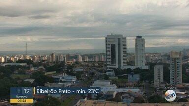 Confira a previsão do tempo para esta terça-feira na região de Ribeirão Preto - Calor e umidade podem causar pancadas rápidas e isoladas de chuva na região.