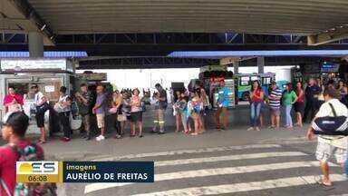 Coronavírus: Falta de papel toalha e pouco sabão preocupa passageiros em terminal da Serra - Problema foi encontrado no Terminal de Laranjeiras.