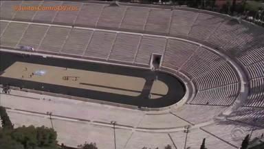 Chama olímpica é oficialmente entregue ao Japão - Assista ao vídeo.