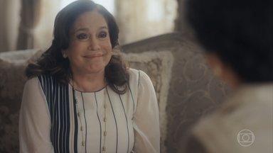 Emília inicia um tratamento com Selma - Ela diz que é muito difícil falar do passado e Selma a encoraja