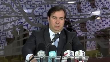 Boletim JN: Primeiro caso de coronavírus no Brasil completa um mês - Presidente da Câmara, Rodrigo Maia, disse que o auxílio a trabalhadores autônomos e informais pode chegar a R$ 500.