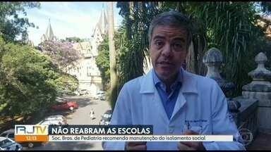 Isolamento social não deve ser interrompido, defende Sociedade Brasileira de Pediatria - O RJ1 ouviu a opinião do médico Marco Aurélio Safadi, presidente do departamento de Infectologia da Sociedade Brasileira de Pediatria