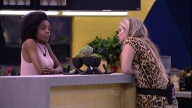 Thelma relata conversa com brothers para Marcela: 'A gente está conspirando mais que eles' - Thelma relata conversa com brothers para Marcela: 'A gente está conspirando mais que eles'