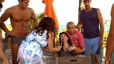 Zambeze, Nanda e Gigante levam Luana para o hospital - Ferdinand faz comentários maldosos sobre a agressão