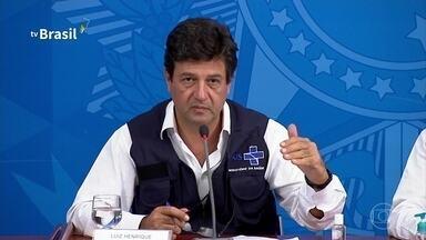 Brasil tem 201 mortes por coronavírus e quase 5.800 casos confirmados - Na entrevista coletiva, o ministro da Saúde anunciou uma novidade: ligações automáticas para milhões de brasileiros para monitorar sintomas e o caminho do vírus.