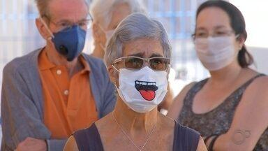 Produção de máscaras caseiras por novos fabricantes aumentam na região - Assim como o álcool gel, as máscaras têm sido um dos produtos mais procurados nesta pandemia. A demanda despertou o interesse de quem precisa manter a renda neste momento.