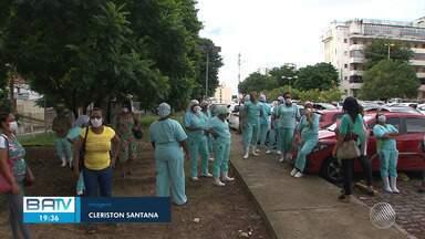 Tercerizados que prestam serviços para centros de saúdes de Salvador fazem protesto - Veja este e outros destaques desta terça-feira (14).