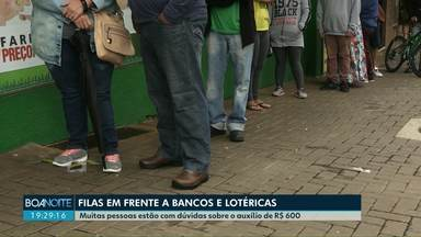 Agências bancárias e lotéricas se tornam ponto de aglomeração - O movimento é de pessoas que estão em busca de ajuda do governo federal.