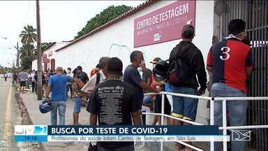 Centro de testagem na Beira-Mar registra aglomerações pela segunda vez - O local é de uso exclusivo para profissionais da saúde com sintoimas da doença e está registrando enormes filas.