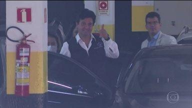 Boletim JN: Ministro da Saúde é chamado para conversa pelo presidente Jair Bolsonaro - Imagens mostram Luiz Henrique Mandetta saindo do Ministério da Saúde para ir ao Palácio do Planalto. Em videoconferência, nesta quinta (16), ele voltou a falar em tom de despedida e disse que deixa o cargo até esta sexta (17).