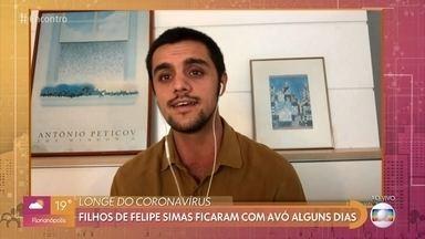 Felipe Simas testou positivo para COVID-19 - O ator de 27 anos fala sobre sintomas por conta do coronavírus
