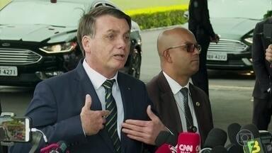 Bolsonaro nega que esteja conspirando contra outros poderes da República - O presidente provocou indignação e recebeu críticas por participar de uma manifestação que pedia intervenção militar.