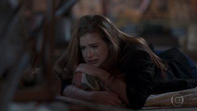 Eliza se desespera ao chegar em casa e não encontrar Jonatas - Ela foge de Arthur, Adele e Max. Arthur fica feliz ao saber que Eliza ganhou uma segunda chance. Pietro vai embora da festa e deixa Carolina sozinha com Arthur