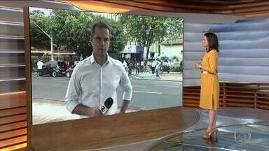 Leitos municipais de UTI atingem ocupação máxima em Belém - Mais de 50 pessoas formaram uma fila do lado de fora da policlínica em busca de atendimento médico. O Pará tem 1.022 casos confirmados de covid-19.