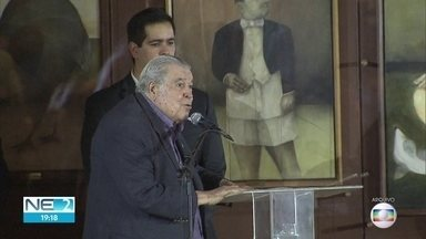 Aos 92 anos, Ricardo Brennand morre de complicações da Covid-19 - Morte ocorreu no hospital no Recife onde o engenheiro, empresário, colecionador e incentivador das artes estava internado.