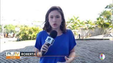 Em Cabo Frio, RJ, pagamento do auxílio emergência gera aglomerações - Pagamento do auxílio é nesta segunda-feira (27) para pessoas que não têm conta na Caixa e para quem nasceu em janeiro e fevereiro.