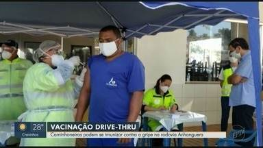 Caminhoneiros recebem vacina contra gripe em posto de combustível na Anhanguera - Vacinação acontece nesta quarta-feira no km 312.
