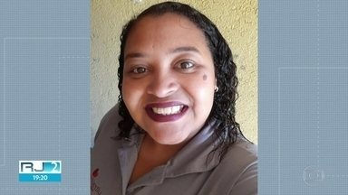 Enfermeira que morreu de coronavírus é enterrada - Daniele Costa, enfermeira há quase 30 anos, usava as redes sociais para denunciar os problemas na rede pública de saúde. Ela acabou contraindo o coronavírus e acabou falecendo. O corpo dela foi enterrado nesta quarta-feira (29).