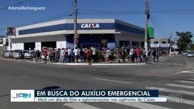 Goiás tem mais um dia de filas e aglomerações nas agências da Caixa - Motivo é a busca pelo auxílio emergencial.