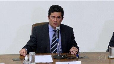 PGR pede ao STF acesso ao vídeo de reunião ministerial com Moro e Bolsonaro - Augusto Aras também solicitou os depoimentos de três ministros que teriam testemunhado a ameaça de interferência política na PF.