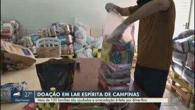 Lar espírita de Campinas entrega 110 cestas básicas para famílias carentes - A arrecadação é feita na sede do centro na Rua Abolição, no bairro Ponte Preta por meio de um drive-thru para evitar aglomeração.