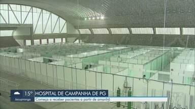 Hospital de campanha de Praia Grande começa a receber pacientes a partir desta quinta - Profissionais receberam treinamento e começam a receber pacientes no hospital montado em ginásio da cidade.