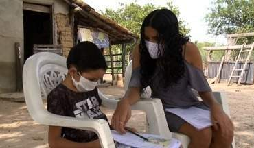 Estudantes da zona rural de Floriano usam apostilas para não perder rítmo dos estudos - Estudantes da zona rural de Floriano usam apostilas para não perder rítmo dos estudos